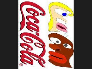 Cocacola escupe negro